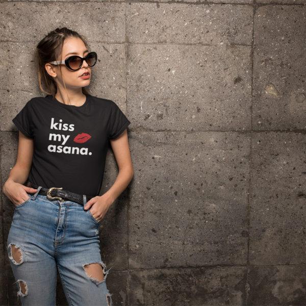Avocadista Kiss My Asana Yoga T-Shirt