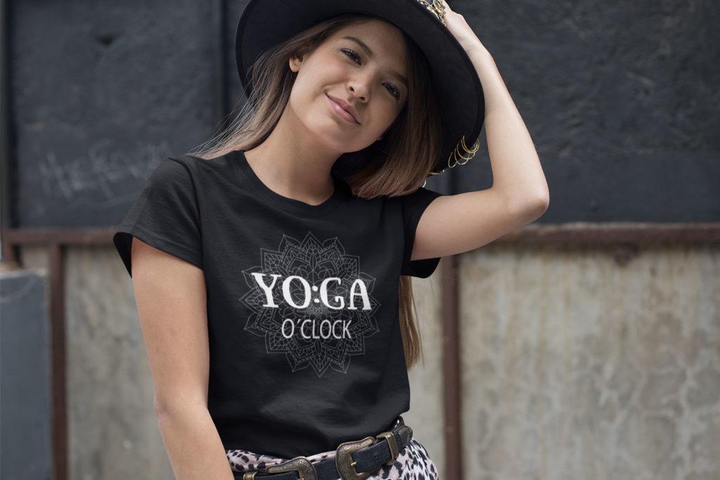 Avocadista Yoga O'clock T-Shirt
