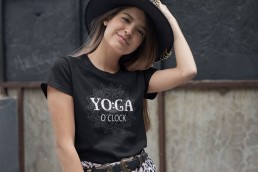 Avocadista Yoga O'clock T-Shirt